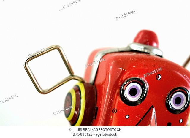 cara de robot rojo, autómata