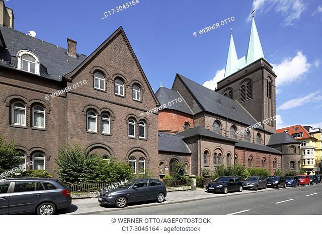 Dortmund, D-Dortmund, Ruhr area, Westphalia, North Rhine-Westphalia, NRW, Kreuzviertel, Cross Quarter, wealthy section, Heilig Kreuz Church, catholic church