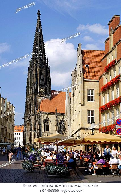 Prinzipalmarkt square with Saint Lamberti church, Muenster, North Rhine-Westphalia, Germany, Europe