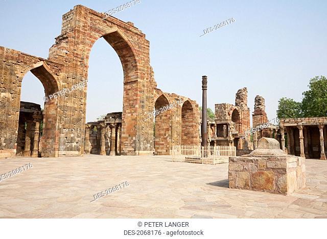 Iron Pillar, Qutab Minar, Delhi, India