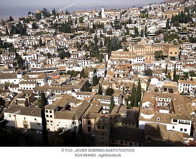 Vista del Barrio del Albaicín desde la Alhambra - Granada - Andalucía - España
