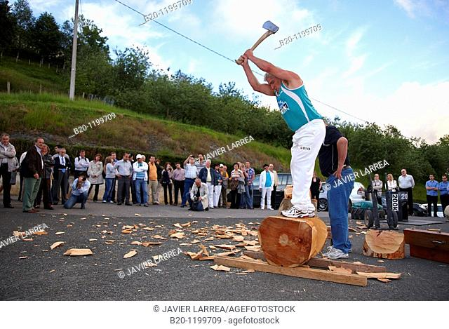 Luis Txapartegi, Aizkolari (wood-chopping), Basque rural sport, Aduna, Gipuzkoa, Basque Country, Spain