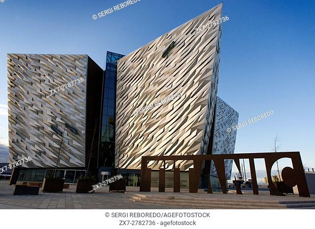Titanic Belfast museum and Visitors Centre, Titanic Quarter, Belfast, Northern Ireland, UK. A giant steel name plate marks the entrance to the Titanic Belfast...
