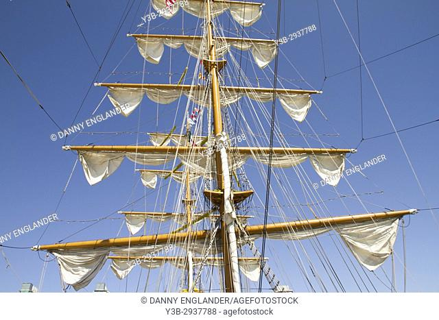 Sails and mast of the Colombian navy tall ship Gloria