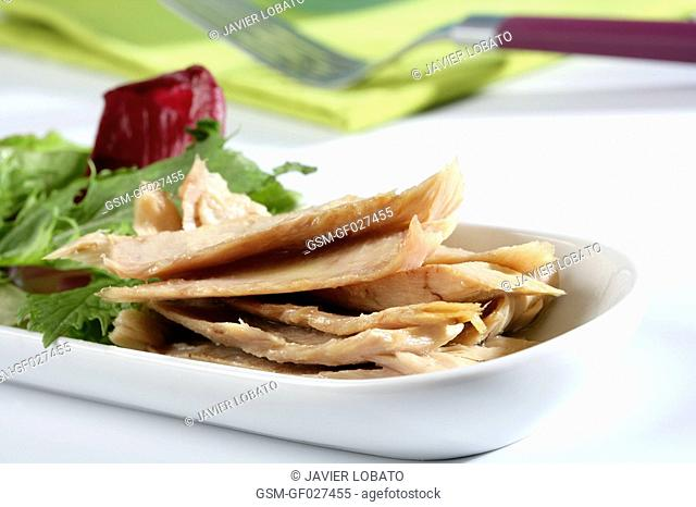 Tuna belly with salad