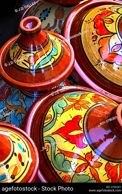 Morocco, Handicraft, Typical ceramic plates for Tagine cooking