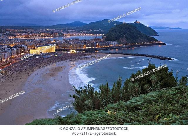 Concert for Peace on Gros beach, San Sebastian. Guipuzcoa, Basque Country, Spain