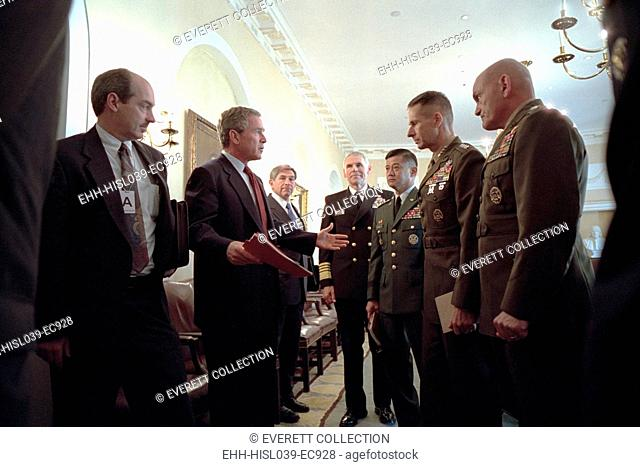 President George W. Bush with Chiefs of Staff, Oct. 24, 2001. Meeting with him are from left: Adm. Richard Mies, Gen. Eric Shinseki, Gen