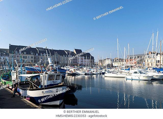 France, Cotes d'Armor, Paimpol, the port