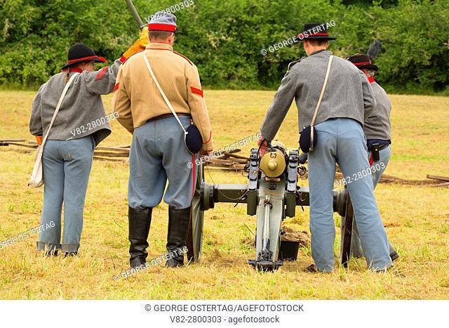 Confederate cannon battery, Civil War Reenactment, Willamette Mission State Park, Oregon