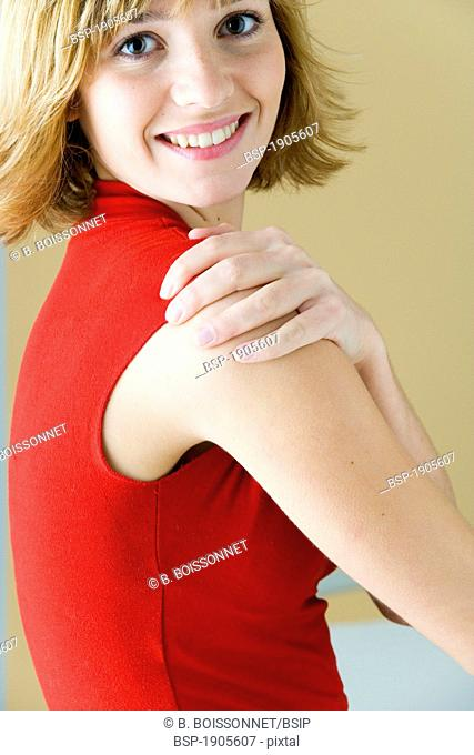 SHOULDER PAIN IN A WOMAN Model