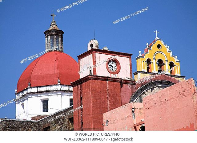 La Parroquia de Nuestra Senora de Guadalupe, Our Lady of Guadalupe Church, Cuernavaca, Morelos State, Mexico Date: 02 04 2008 Ref: ZB362-111809-0047 COMPULSORY...