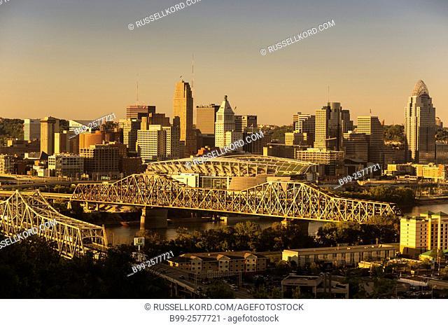 Ohio River Bridges Cincinnati Ohio Skyline From Covington Kentucky Usa