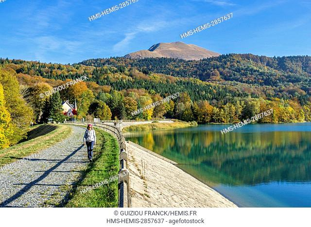 France, Isere, surroundings of Grenoble, Matheysine region, hike on the GR 549 around the Laffrey lakes, lake Mort and Grand Serre (alt : 2141m) in the...