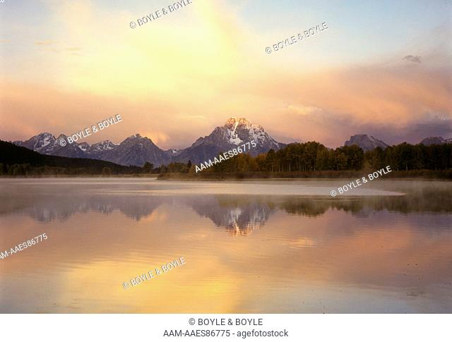 Sunrise at Oxbow Bend, Snake River, Grand Teton NP, WY: Mt. Moran, Mt. Woodring, Rockchuck Peak