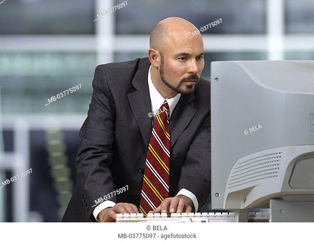 Office, businessman, computers,  works, concentrates  Business, job, work, occupation, man, 33 years, 30 - 35 years, Businesspeople, employee, bald head, beard