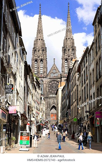 France, Puy de Dome, Clermont Ferrand, the des Gras street and Notre Dame de l'Assomption cathedral