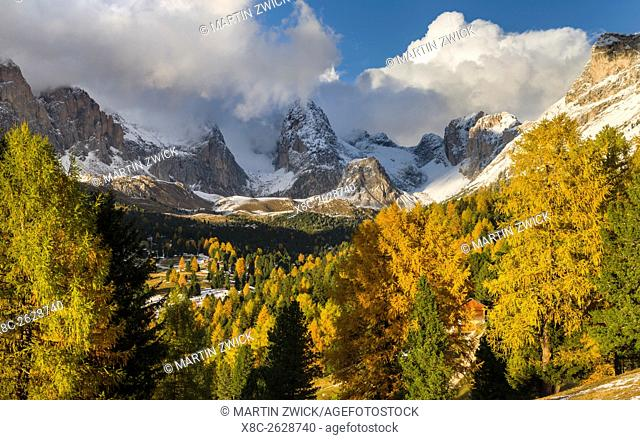 Geisler mountain range - Odle in the Dolomites of the Groeden Valley - Val Gardena in South Tyrol - Alto Adige. The Dolomites are listed as UNESCO World...