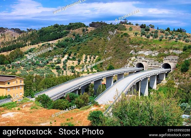 Autobahnruine - highway bridge to nowhere 01