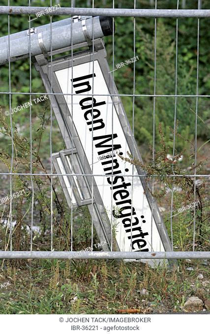 DEU, Germany, Berlin: broken street sign
