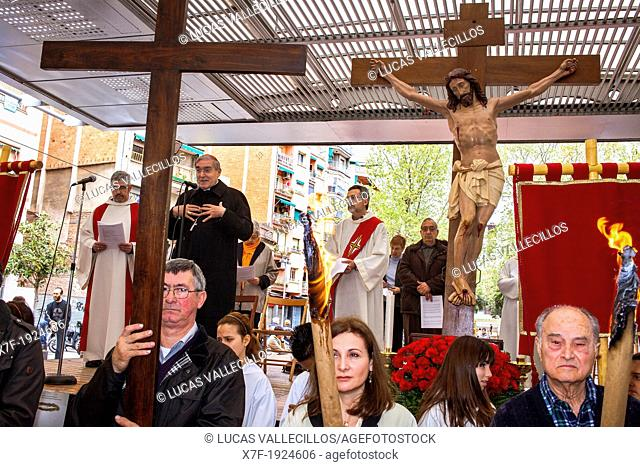Representation, Way of the Cross, chaired by Cardinal and Archbishop of Barcelona Lluis Martinez Sistach, Good Friday, Easter week, 'la marquesina, Via Julia