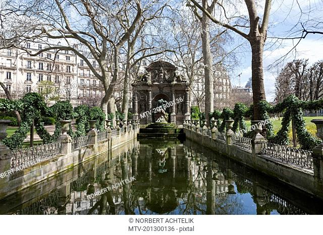 The Medici Fountain in the Le Jardin du Luxembourg, Paris, France