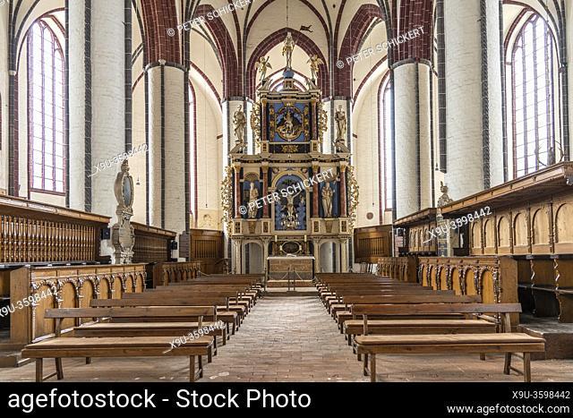 Innenraum der Kirche St. Stephan in Tangermünde, Sachsen-Anhalt, Deutschland | St Stephen's Church interior in Tangermuende, Saxony-Anhalt, Germany