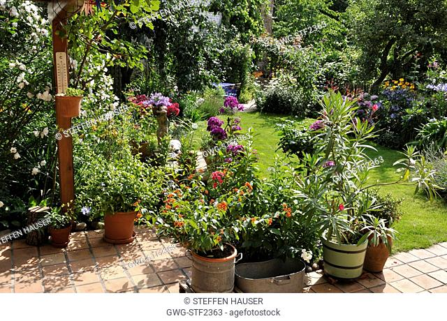 Patio With Flowers And Shrubs Stock Photos And Images Agefotostock