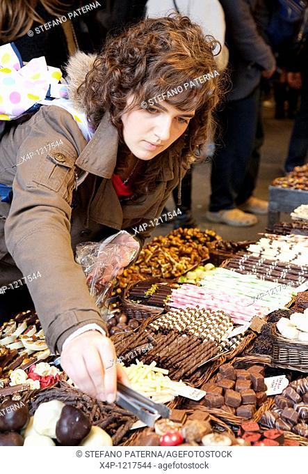 Market halls and stands of the Mercat de la Boqueria, also called Mercat de Sant Josep or just La Boqueria, Barcelona, Spain