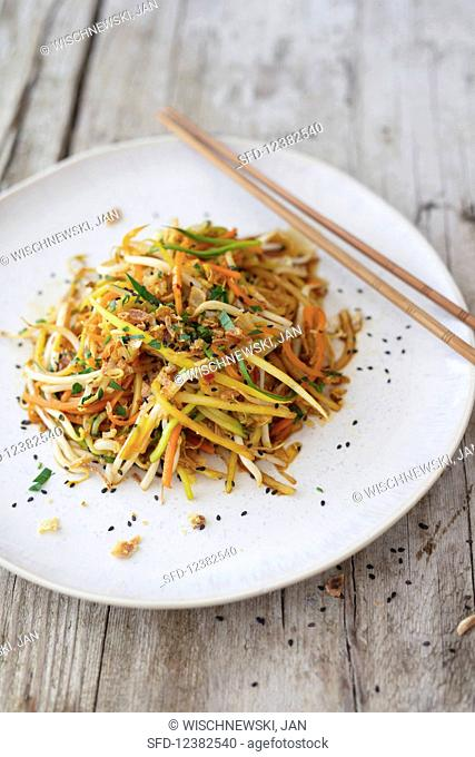 Vegetable noodles with soy sauce
