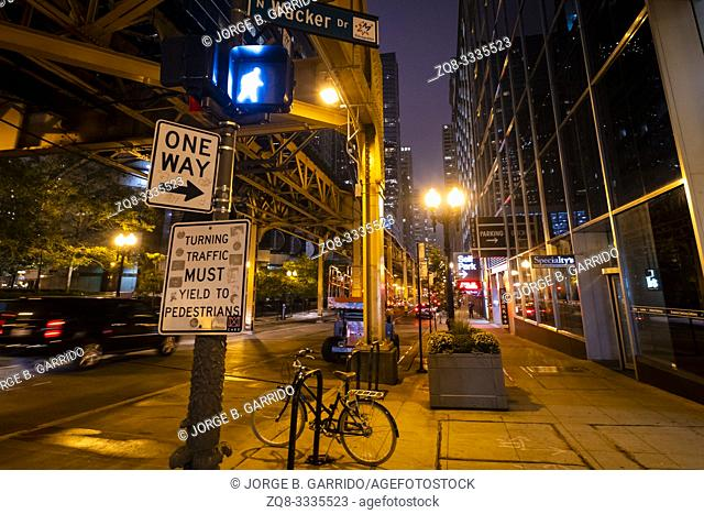 Chicago street at night