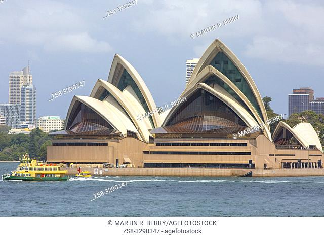 Sydney ferry passes by the Sydney Opera House