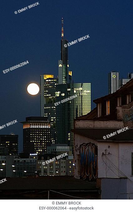 Frankfurter Skyline mal anders Nr. 1