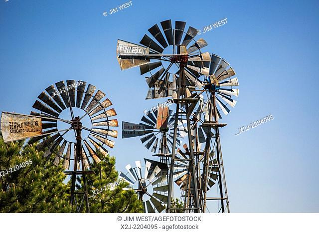 Bowman, North Dakota - Vintage windmills