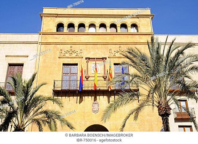 Town hall, palm trees, Elche, Elx, Alicante, Costa Blanca, Spain