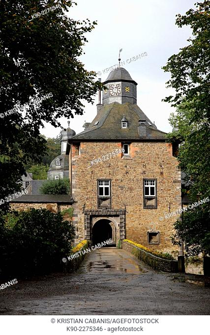 Entrance gate to the castle of Crotorf, North Rhine-Westphalia, Germany, Europe