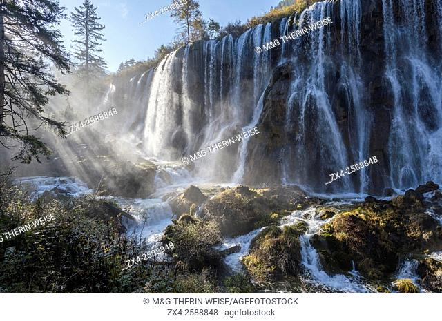 Nuorilang waterfall, Jiuzhaigou National Park, Sichuan Province, China, Unesco World Heritage Site