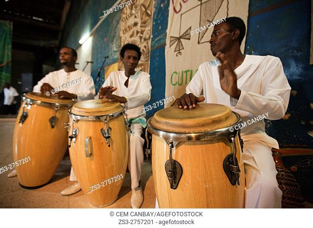 Musicians playing African rhythms with their congas, Santiago de Cuba, Cuba, West Indies, Central America