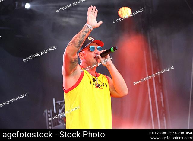 09 August 2020, Thuringia, Erfurt: The German singer Pietro Lombardi will perform at a summer open air in the Steigerwaldstadion