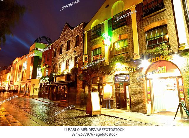 Pubs in Meeting House Square. Temple Bar, Dublin, Ireland