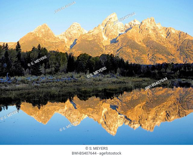 sunrise at Schwabacher Landing with Grand Teton in the back, USA, Wyoming, Grand Teton National Park