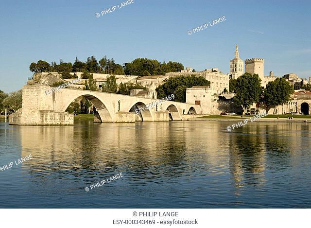 Pont d Avignon und Papstpalast, Avignon