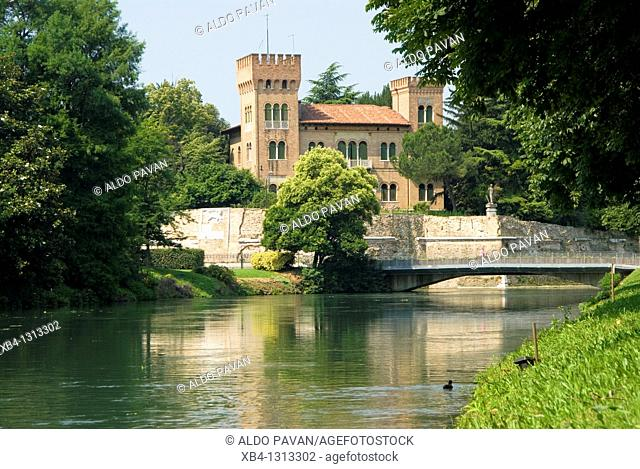 Italy, veneto, Treviso, Garibaldi bridge and Sile river