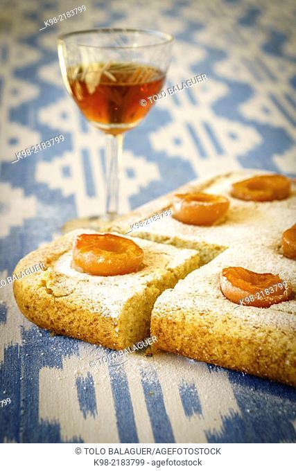 Coca de albaricoques (apricot pastry), Llucmajor, Majorca, Balearic Islands, Spain