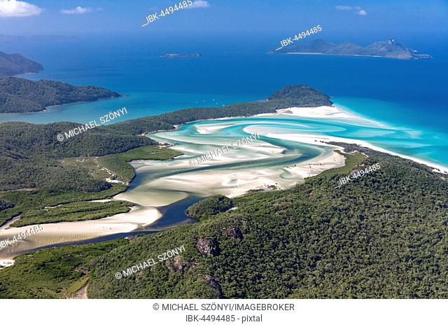 View to Hill Inlet and Whitehaven beach, river meanders, behind Border Island, Whitsunday Islands, Queensland, Australia