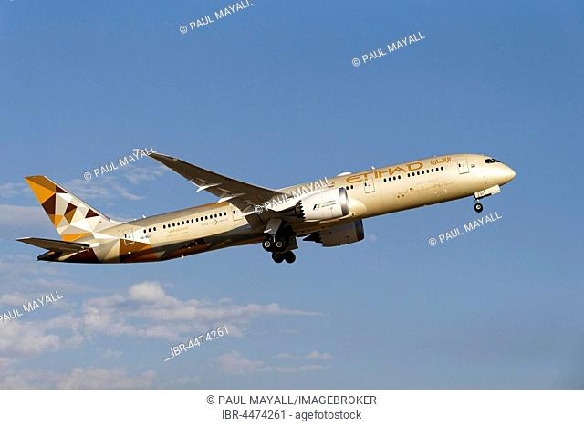 Etihad Airlines, Boeing 787 Dreamliner, commercial jet aircraft, after take off, Perth, Western Australia, Australia