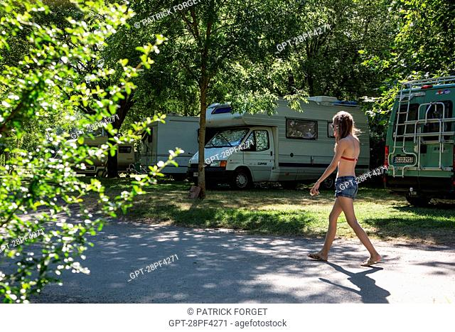 MUNICIPAL CAMPSITE IN THE TOWN OF CHARTRES, EURE-ET-LOIR 28, FRANCE