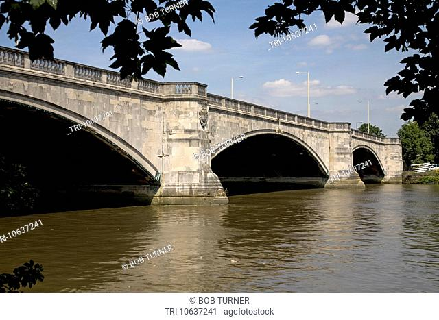 chiswick bridge river thames london england