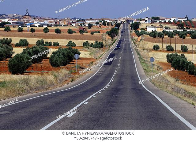 countryside landscape, road from Valdepenas to Villanueva de los Infantes, Ciudad Real, Castile-La Mancha, Spain, Europe