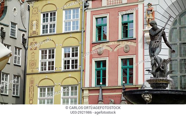 Old buildings in the main square of the polish town of Gdansk, Pomerania's capital city. Poland, Europe